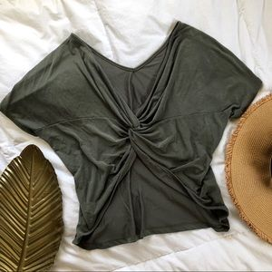 Twisted low back blouse